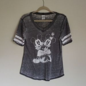 Disney TShirt SzS - Gray and White distressed